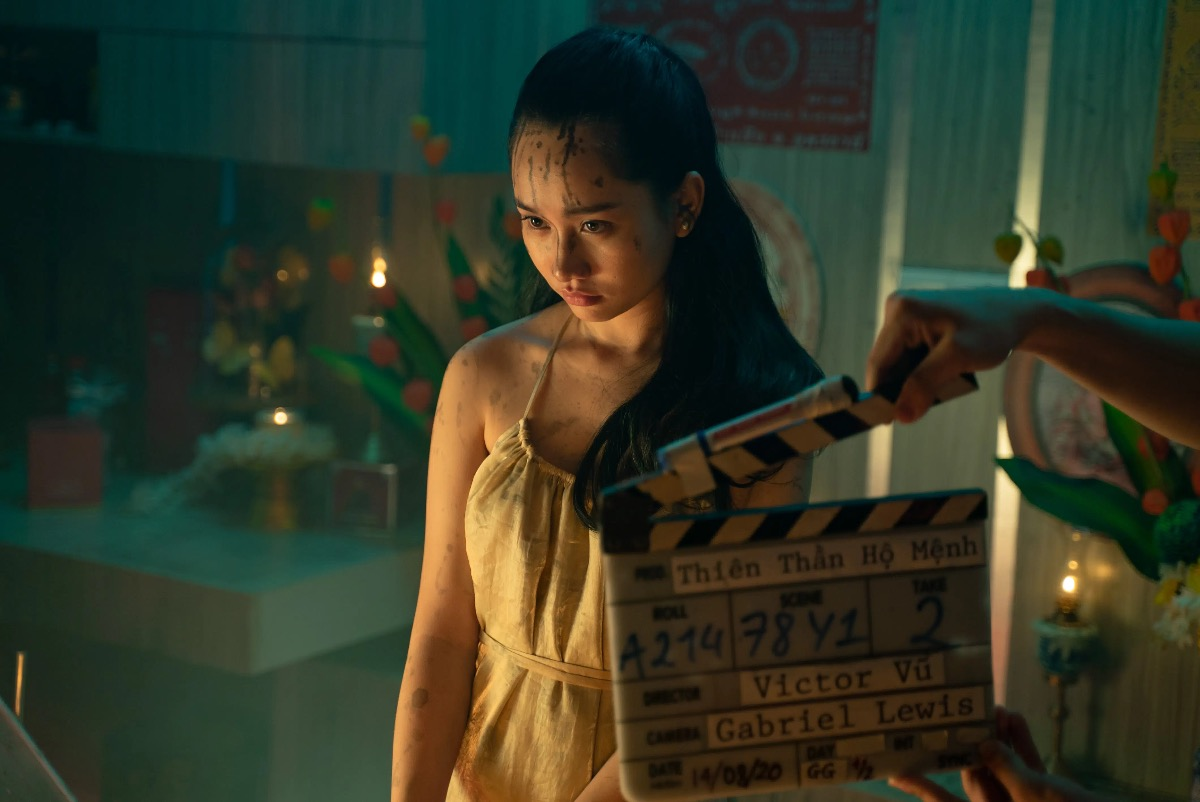 A cut behind the scene of Thien Than Ho Menh. Photo courtesy of the movie.