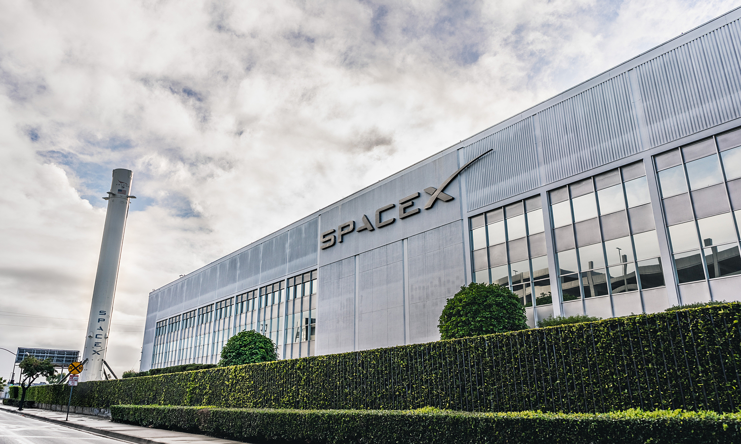 SpaceX headquarter in Hawthorne, California, the U.S. Photo by Shutterstock/Sundry Photography.