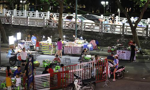 Hue looks to tap sidewalk vending for economic boost