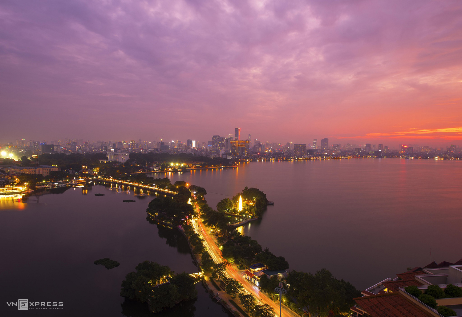 Hanoi sparkles with nocturnal serenity