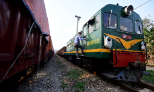 Vietnam Railways pleads for government funding as staff remain unpaid