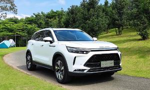 Car imports from China increase sixfold