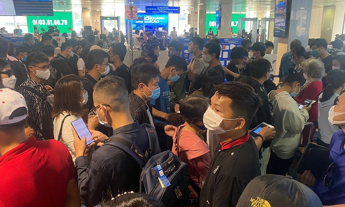 Complete security screening at HCMC airport in 45 seconds: deputy minister