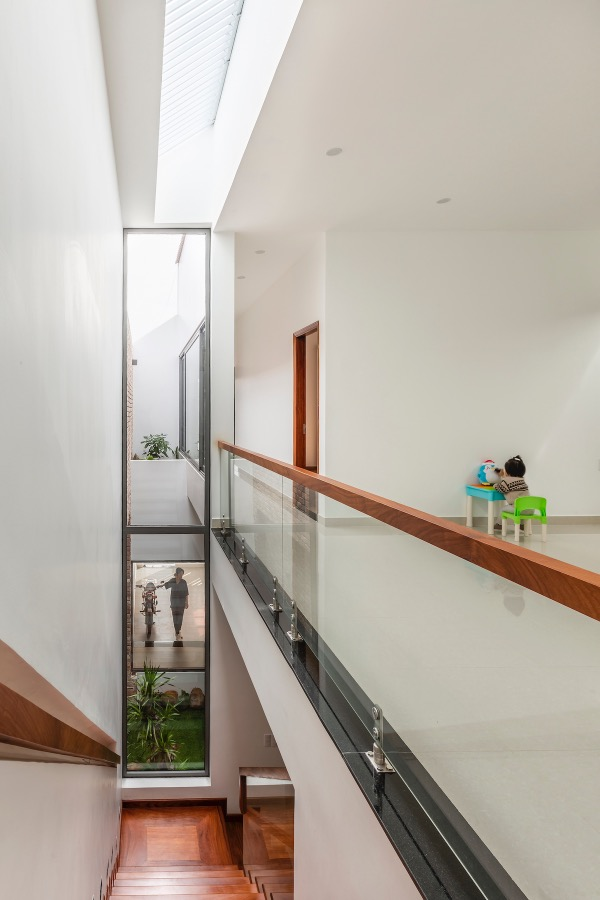 Glass walls allow homeowners to see each other easily.