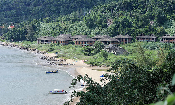 Da Nang to review tourism-service projects to protect peninsula