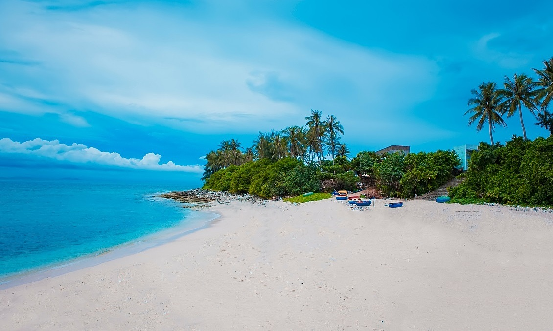 A beach on Dao Be (Small Island) in Ly Son Island, central Vietnam. Photo by Shutterstock/Big Pearl.