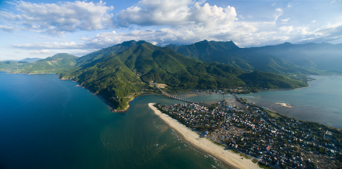 Lang Co Bay at the foot of the Hai Van Pass. Photo by Shutterstock/Andy Tran.