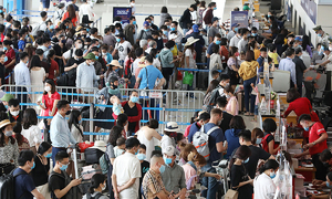Noi Bai airport bolsters security for high weekend holiday traffic