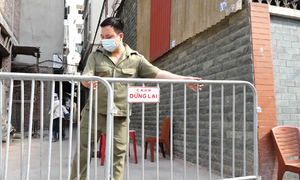 Five localities under lockdown in Hanoi amid new Covid-19 resurgence