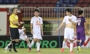 V. League club, player receive warning over foul attitude