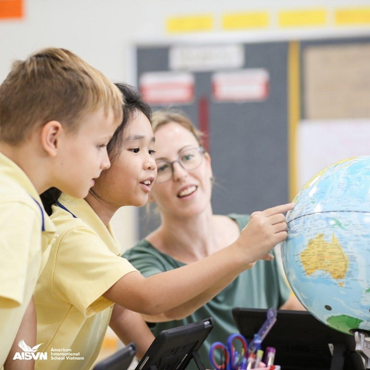 Students learn about the world map in the IB Programme.