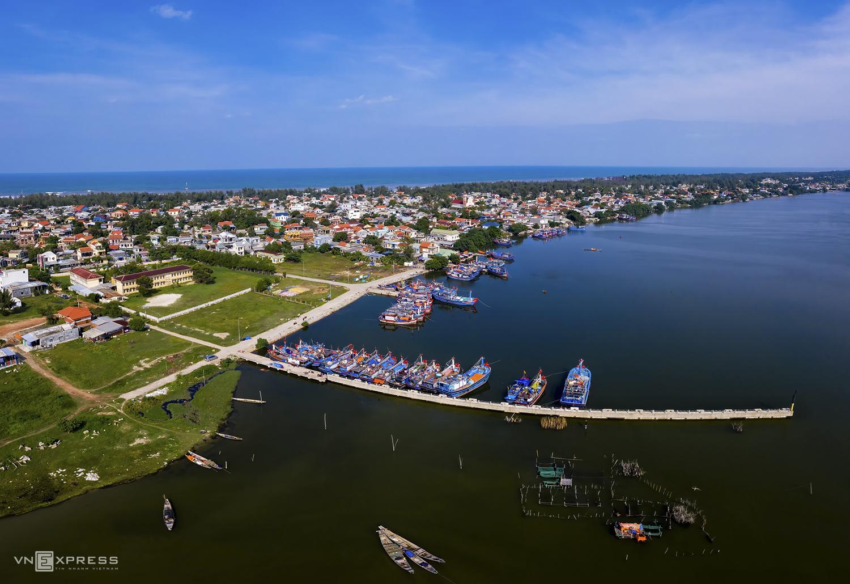 Hue fishing village under the spotlight