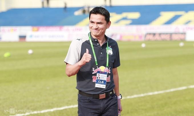 V. League club's Thai coach in FIFA Century Club