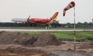 Vietnam rejects five new airport proposals