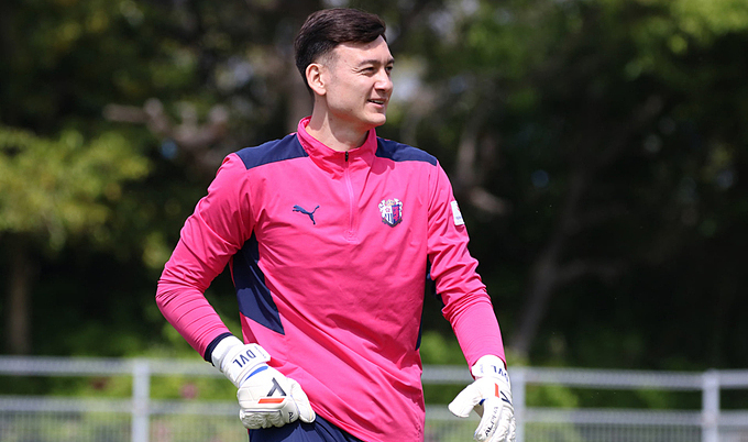 Vietnamese goalkeeper struggles for play time at Japanese club