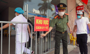 Hanoi limits gatherings to 10 people