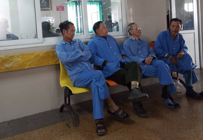 Trinh Van Chien (R) at the K Hospital when the Covid-19 epidemic had not broken out at the medical facility. Photo courtesy of Chien.