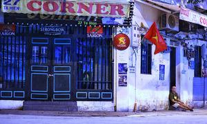 Hanoi's once-bustling food hub deserted amid new Covid wave