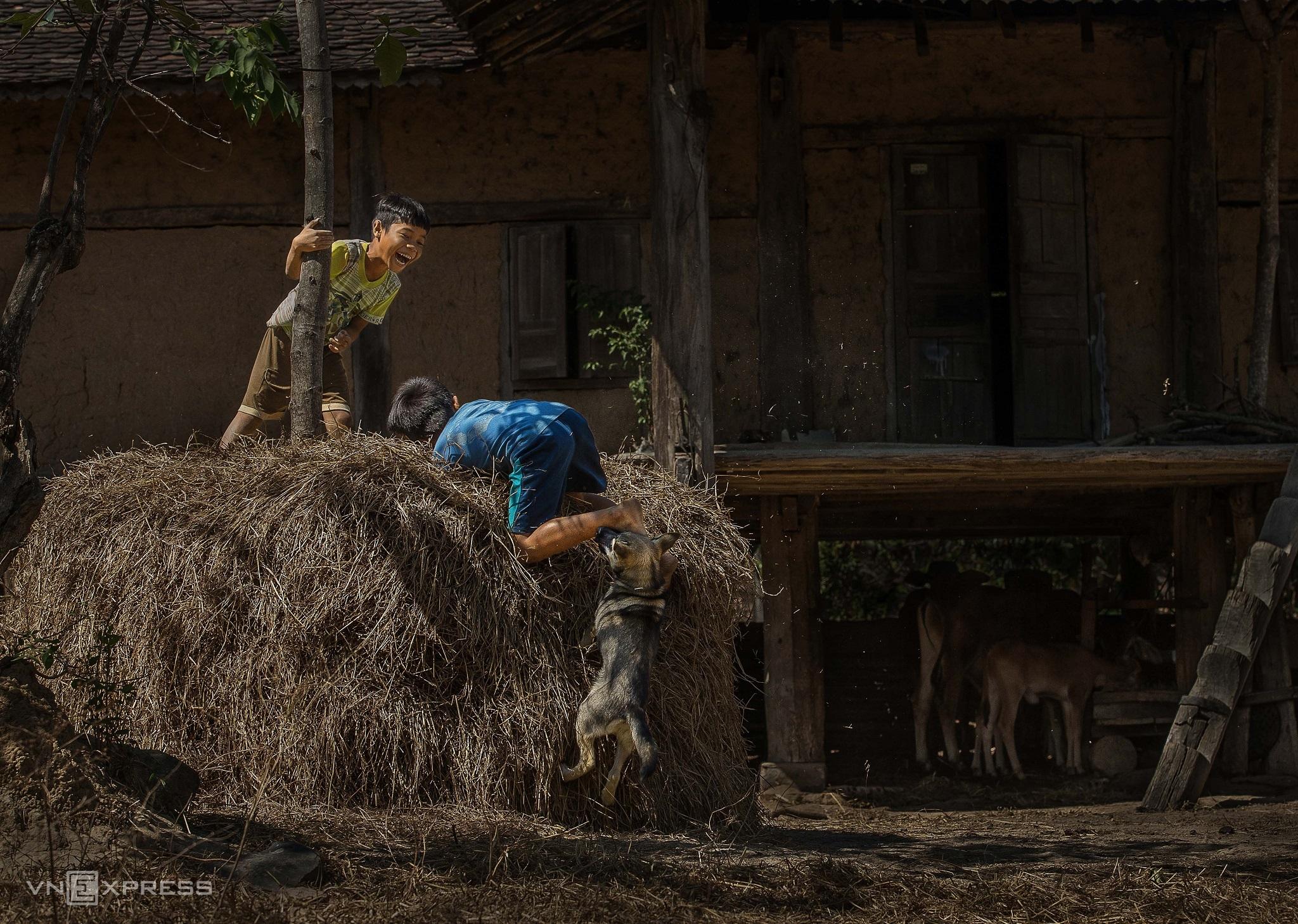 A Kon Tum journey through childhood