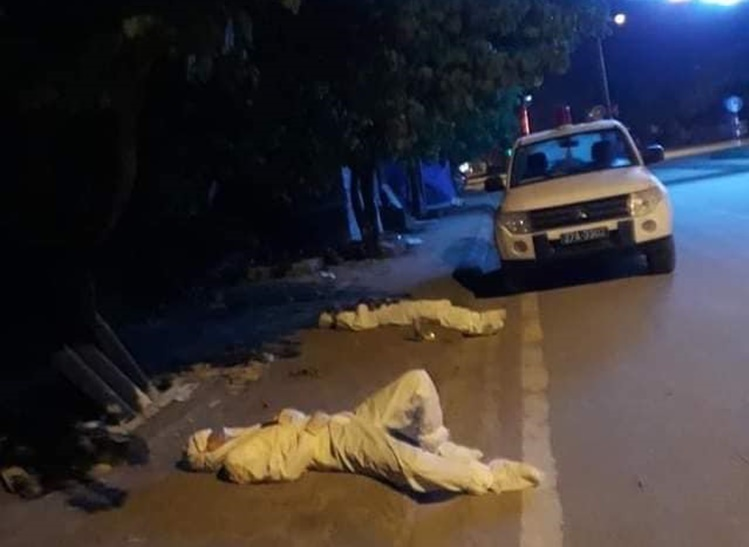 Linh and Than sleep on the street. Photo courtesy of Health Ministry.