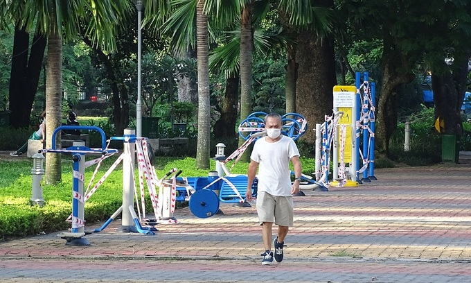 HCMC cautions seniors against leaving home amid Covid spread