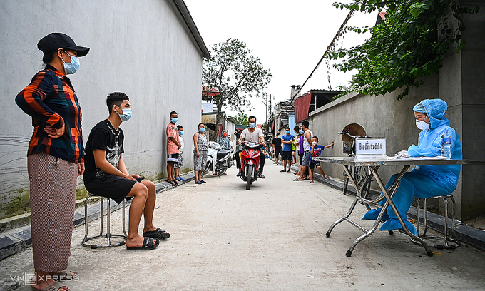 Hanoi faces high risk of Covid-19 spreading, officials warn