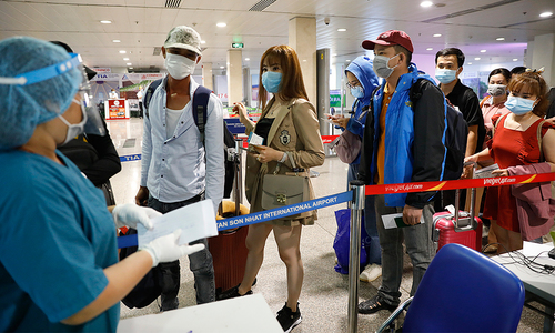 HCMC's Tan Son Nhat Airport stops receiving foreign arrivals