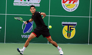 Vietnamese-American tennis pro exits French Open