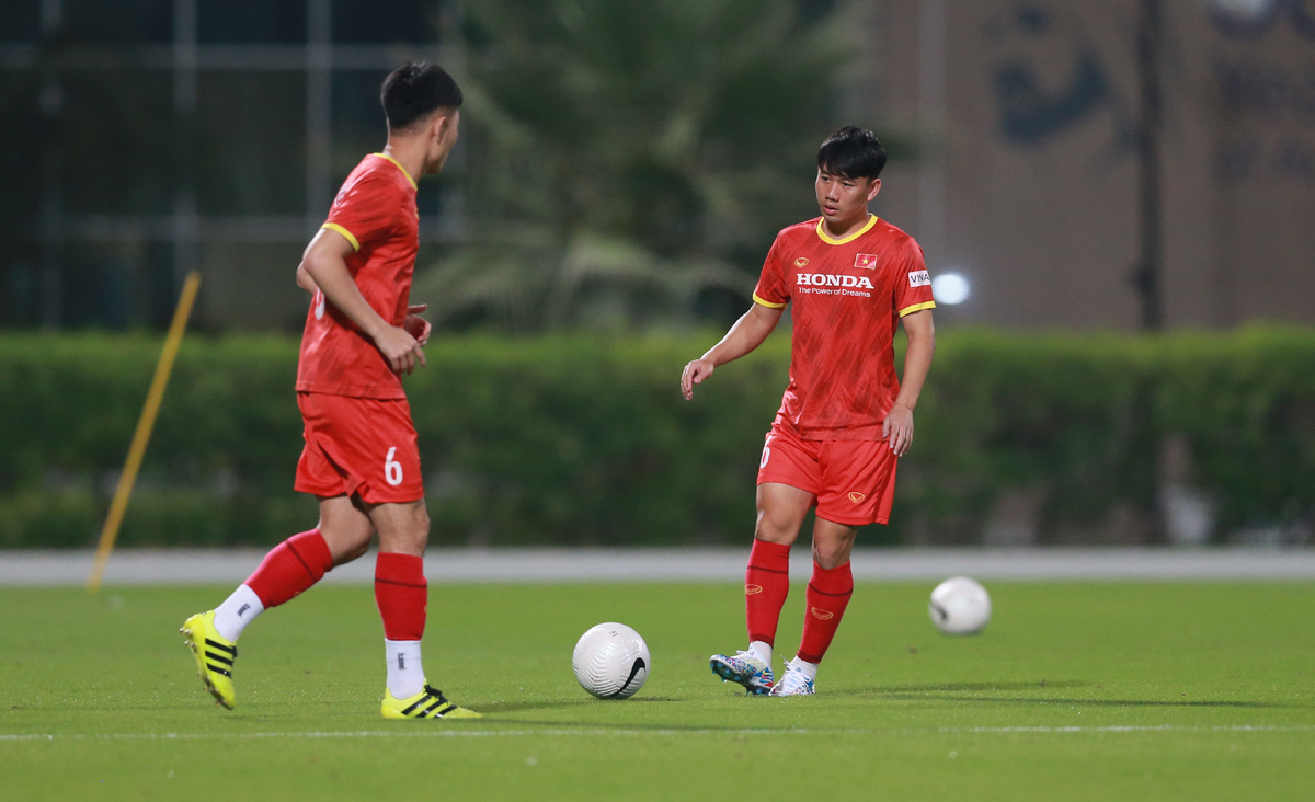 National football team start training for World Cup qualifiers in Dubai