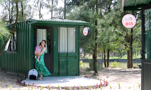 Seaside resort from old containers offers new travel experience