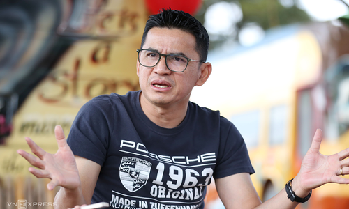 Former Thai football star does a star turn in Vietnam