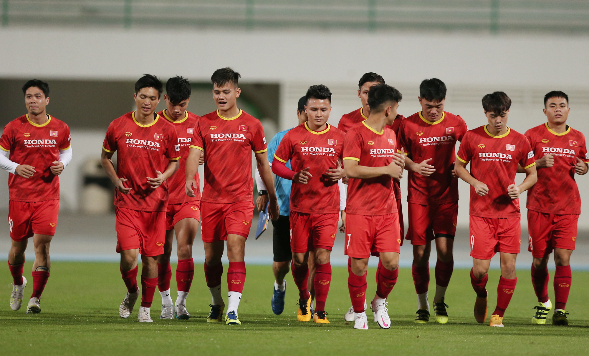 The mens national football team arrived in the UAE early on Thursday and have been training daily.Vietnam are topping group G with 11 points. They will clash with Indonesia on June 7, Malaysia on the 11th and UAE on the 15th. Two wins out of three games will secure them a place in the final World Cup qualification round. Two wins out of three games will secure them a place in the final World Cup qualification round.