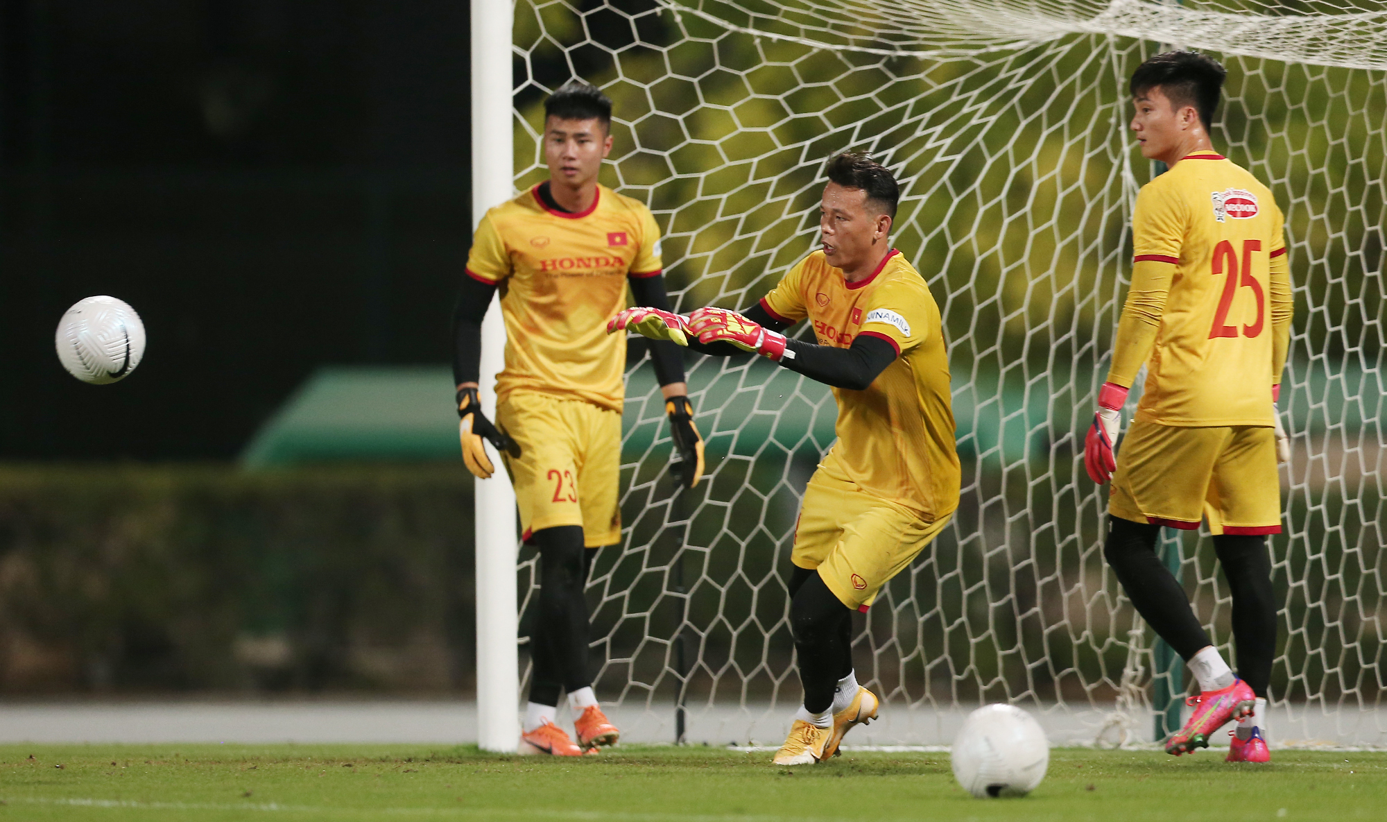 Dang Van Lam, the number one choice for the national goalkeeper position, was scheduled to fly from Japan to the UAE on June 2 to regroup with fellow teammates of the mens national football team. But after another keeper at his Japanese club Cerezo Osaka tested positive for Covid-19, Park had no choice but to exclude Lam from the Vietnam squad and have to pick one the remaining goalies - Nguyen Van Toan (left), Bui Tan Truong (middle) and Nguyen Van Hoang - as the main keeper for the remaining three match of Group G.