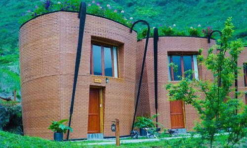 'Rattan basket' resort in northern mountainous region