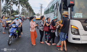 Long commutes a way of life for Mekong Delta workers