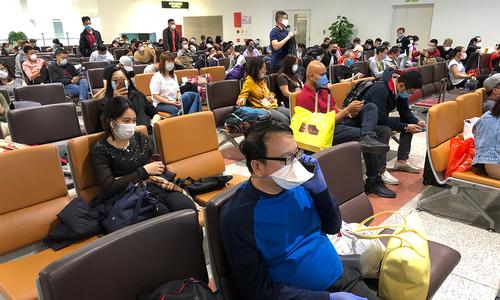 Ban on international flights to Hanoi, HCMC lifted prematurely