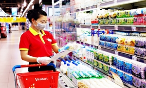 Industry ministry seeks Covid vaccination priority for retail workers