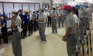 Covid lockdowns leave Saigon workers indigent