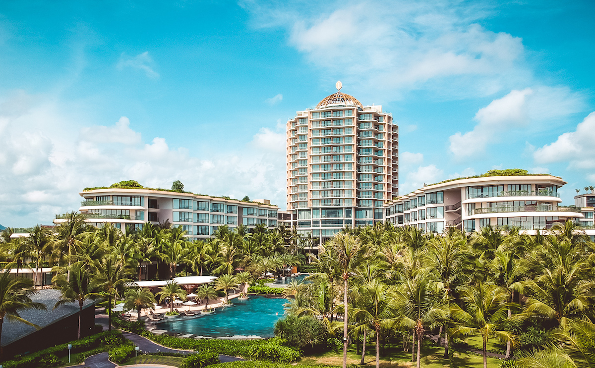 InterContinental Phu Quoc Long Beach Resort is surrounded by hills and landscaped gardens. Photo by: InterContinental Phu Quoc Long Beach Resort