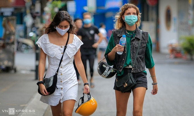 Vaccinated foreigners eager to tour Vietnam again: travel firms