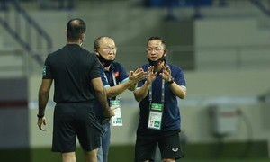 Vietnam coach happy with new formation in Indonesia victory