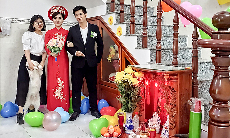 The wedding of Hoang Nguyen and Thuy Trang, was attended by one person, Minh Thu, the grooms sister. Photo courtesy of Thu.