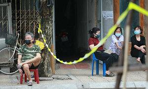 Vietnam can allow self-quarantine: foreign experts