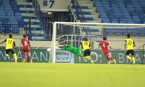 Crucial saves by Vietnam keeper in Malaysia clash