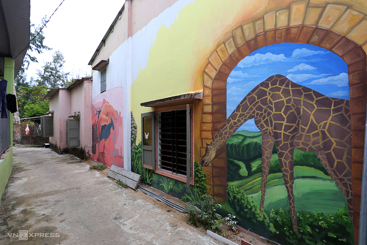 These murals help lure more tourists and raise awareness about protecting the environment.
