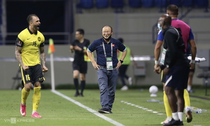 Vietnam coach to be spectator in UAE clash after suspension