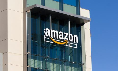 Amazon, Alibaba race to recruit Vietnamese merchants