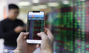VN-Index recovers after losing session