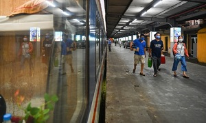 Space aplenty as Hanoi-HCMC train gets back on track