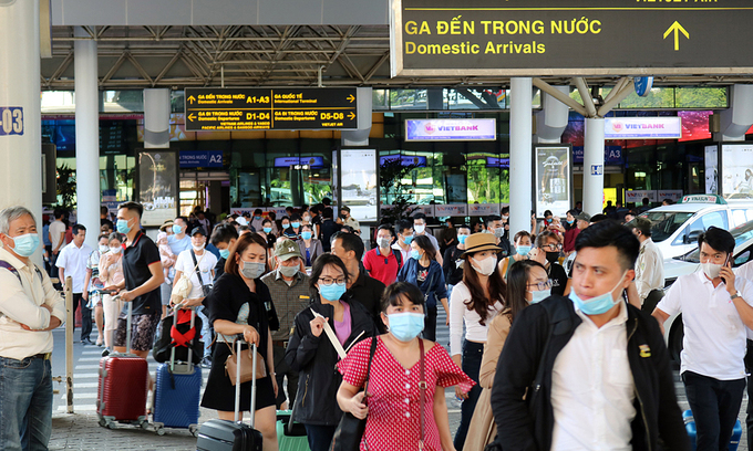 HCMC to Quang Binh flights halted amid soaring Covid count